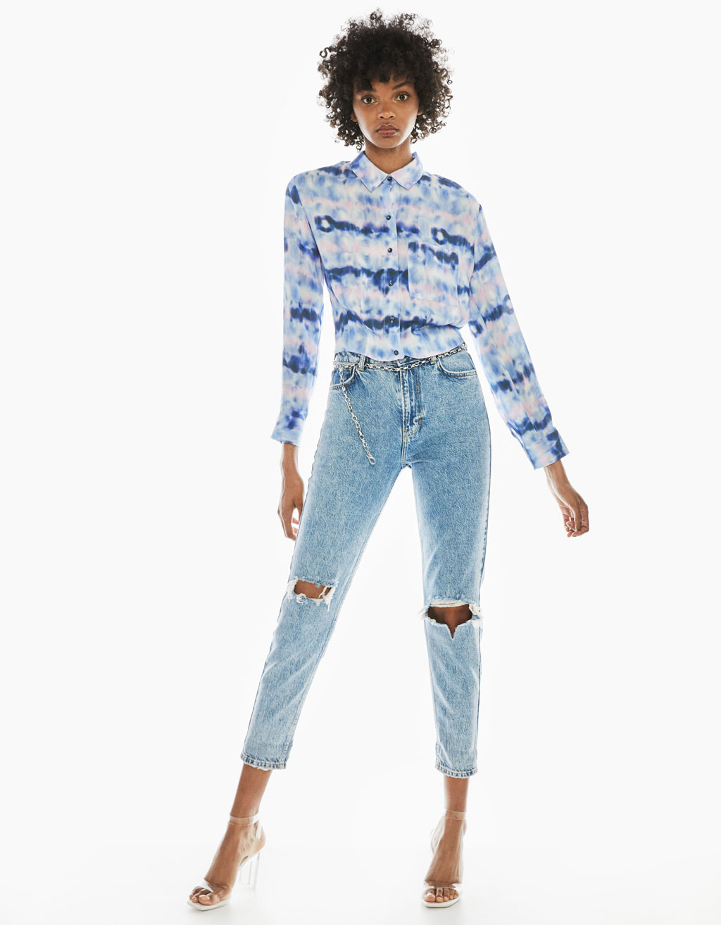 High rise mom jeans with chain