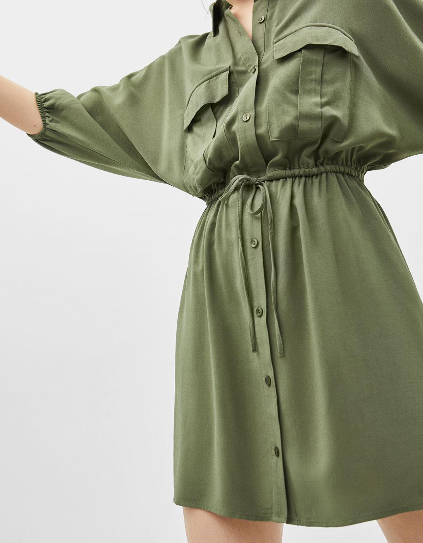 Košeľové šaty vutility štýle