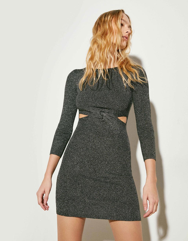 Kjole i metallic strik med slids
