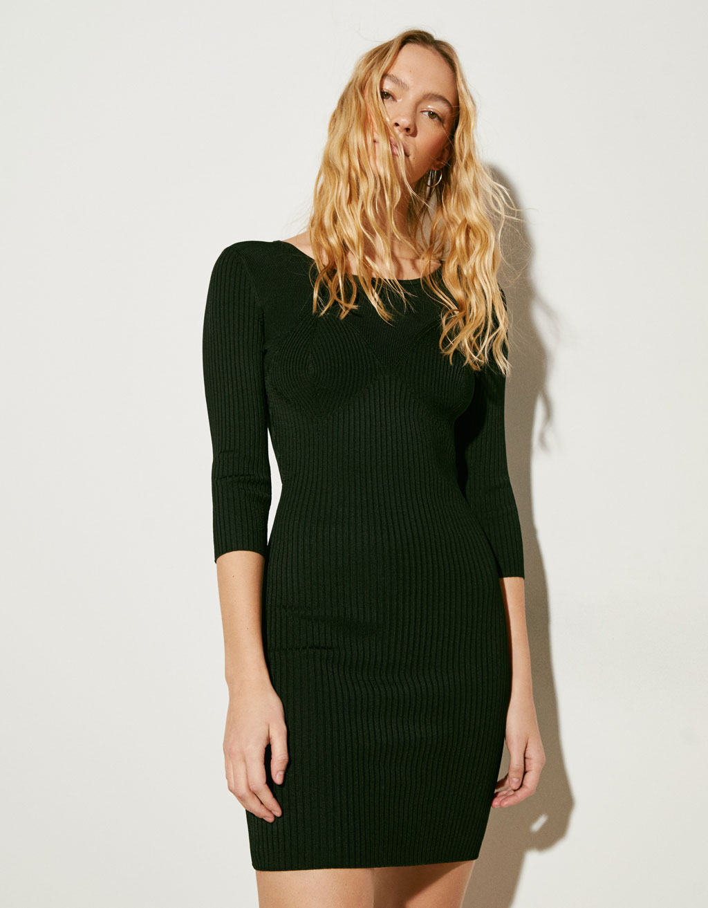Knit dress with back opening