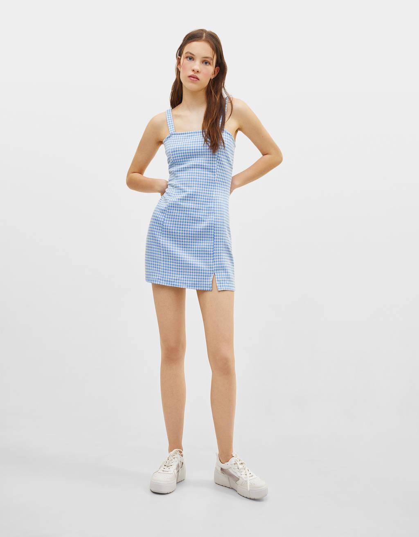 Gingham-ruuduline traksidega kleit
