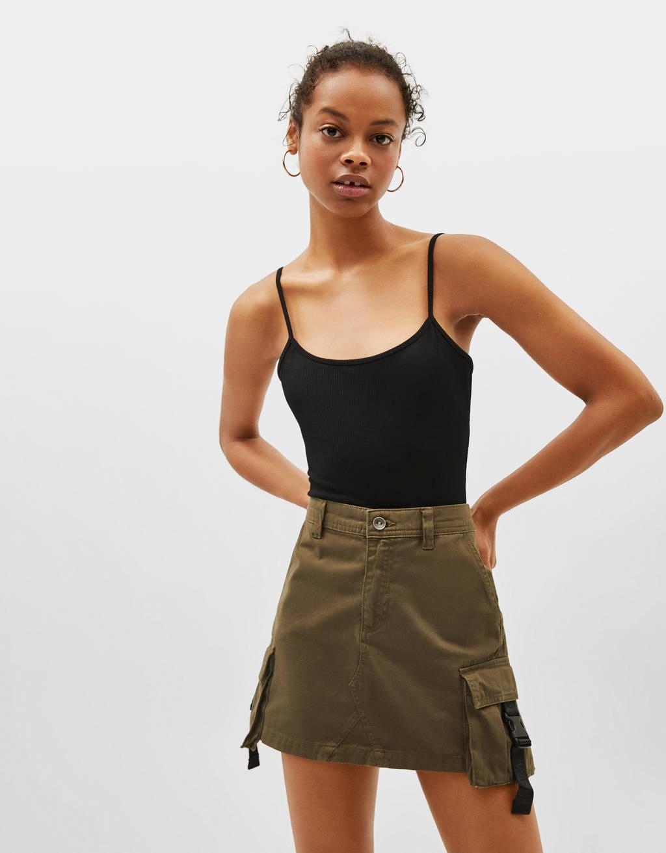 Spódnica mini cargo z paskami z boku