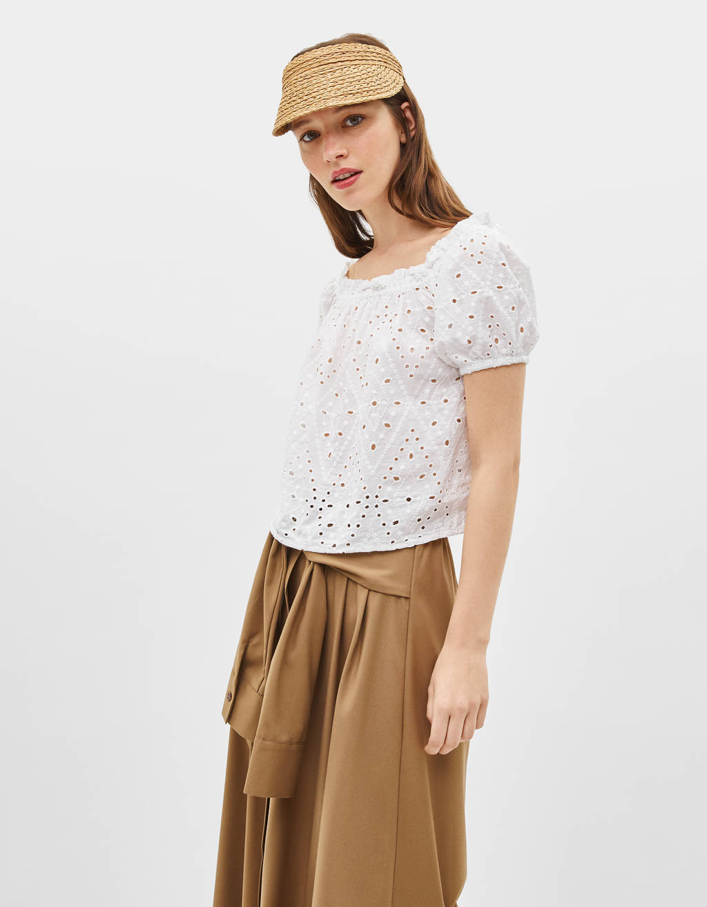 Off-the-shoulder shirt with Swiss embroidery