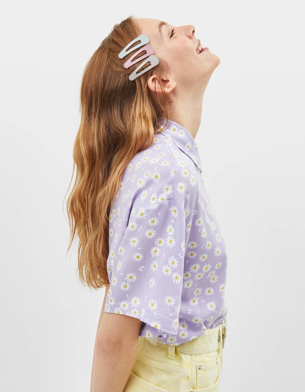 Camisa cropped amb estampat de flors