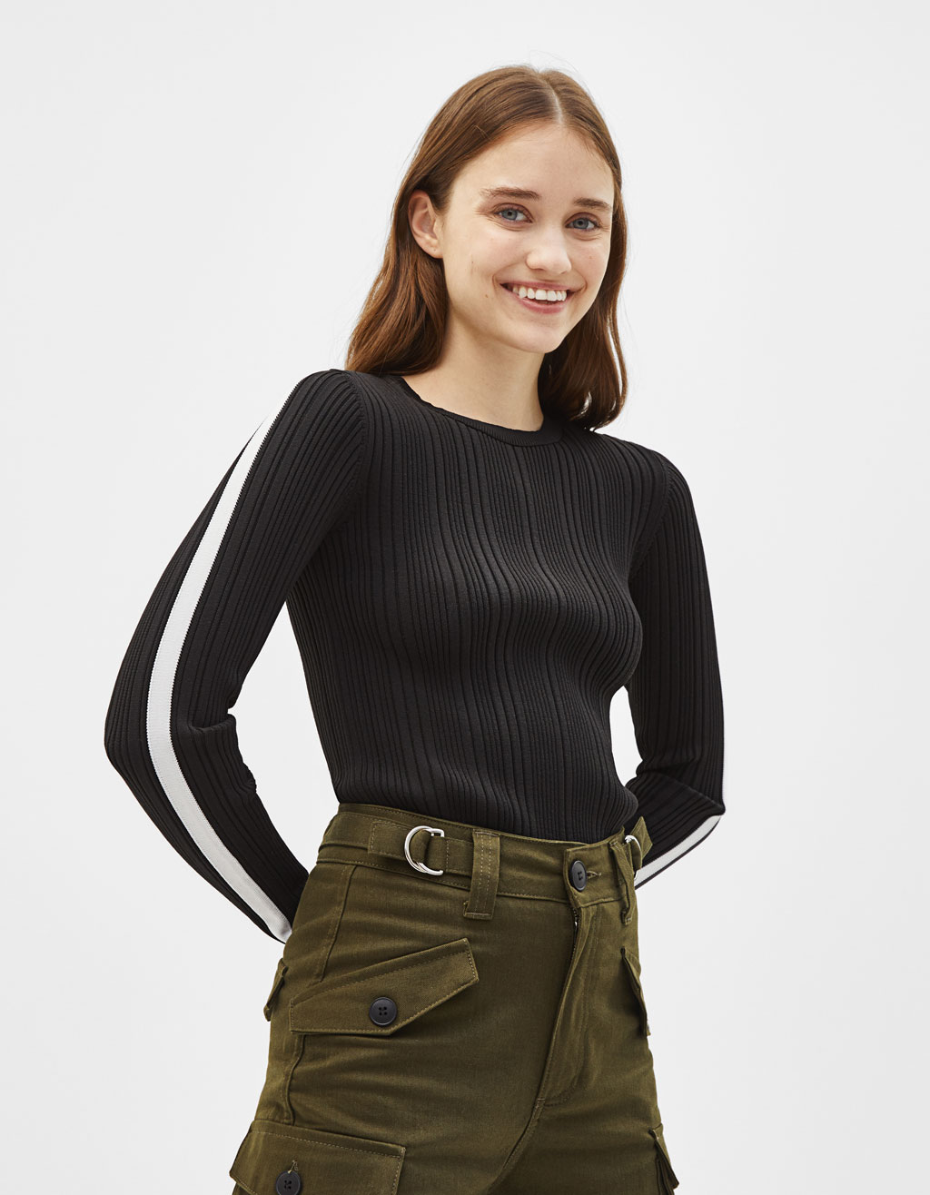Sweater with band on the sleeves