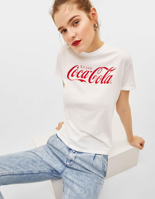 """Póló """"Coca-Cola""""-mintával"""