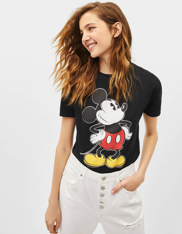 Póló Disney-logóval