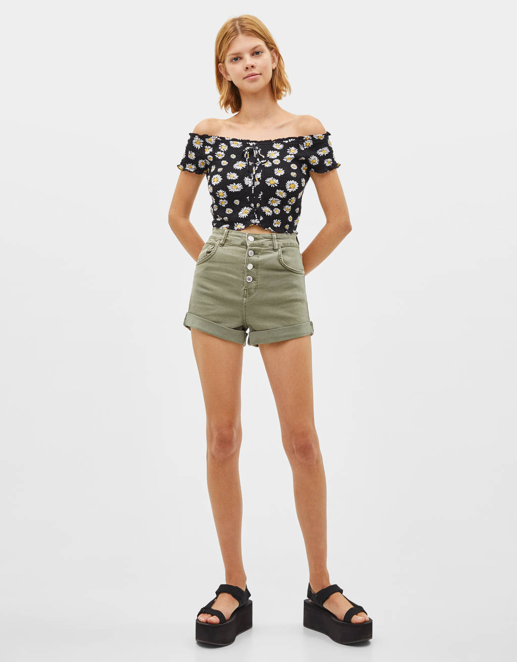 High-rise shorts with buttons