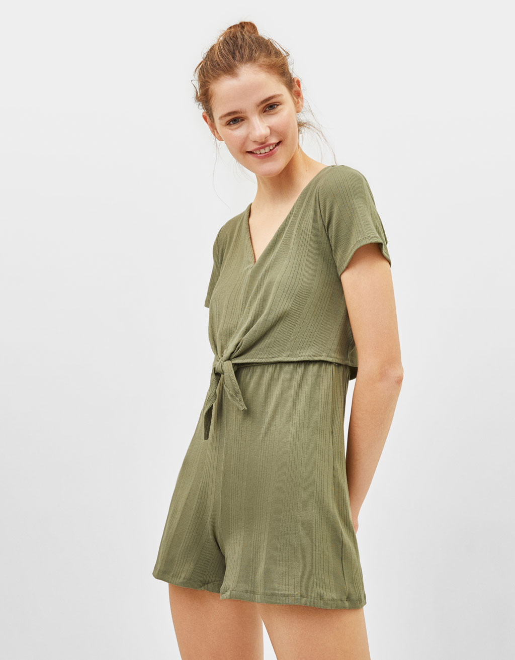 Short knotted jumpsuit
