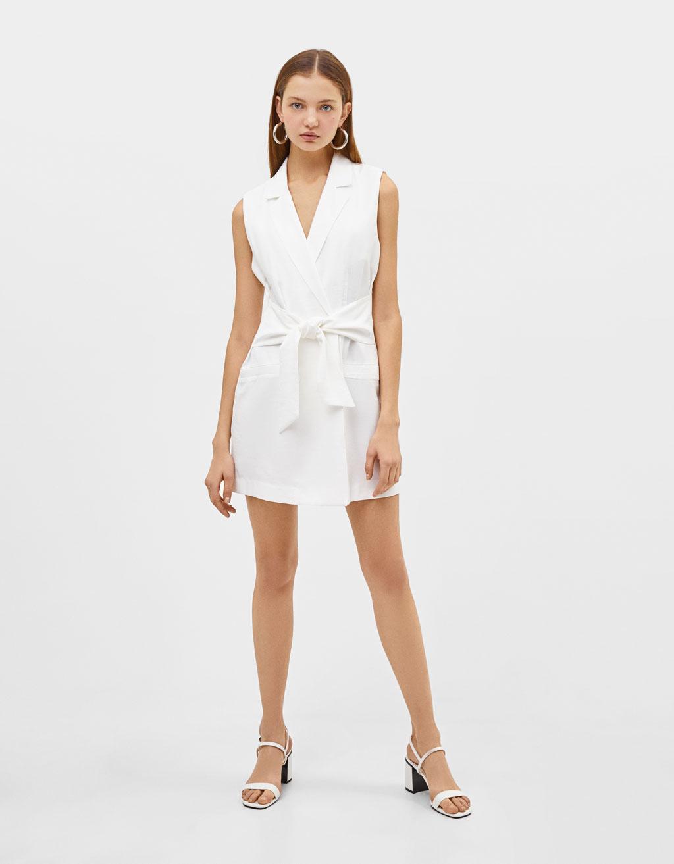 Kjole i blazer-stil med bælte