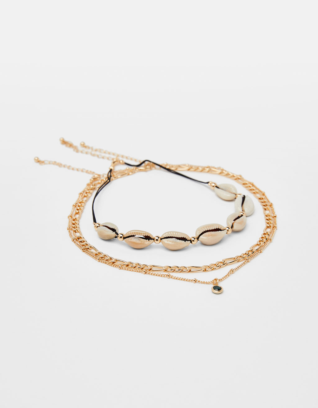 Chain and seashell choker necklace
