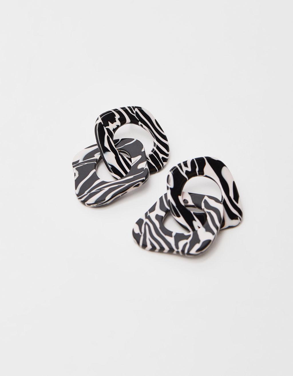 Uhani z zebrastim potiskom