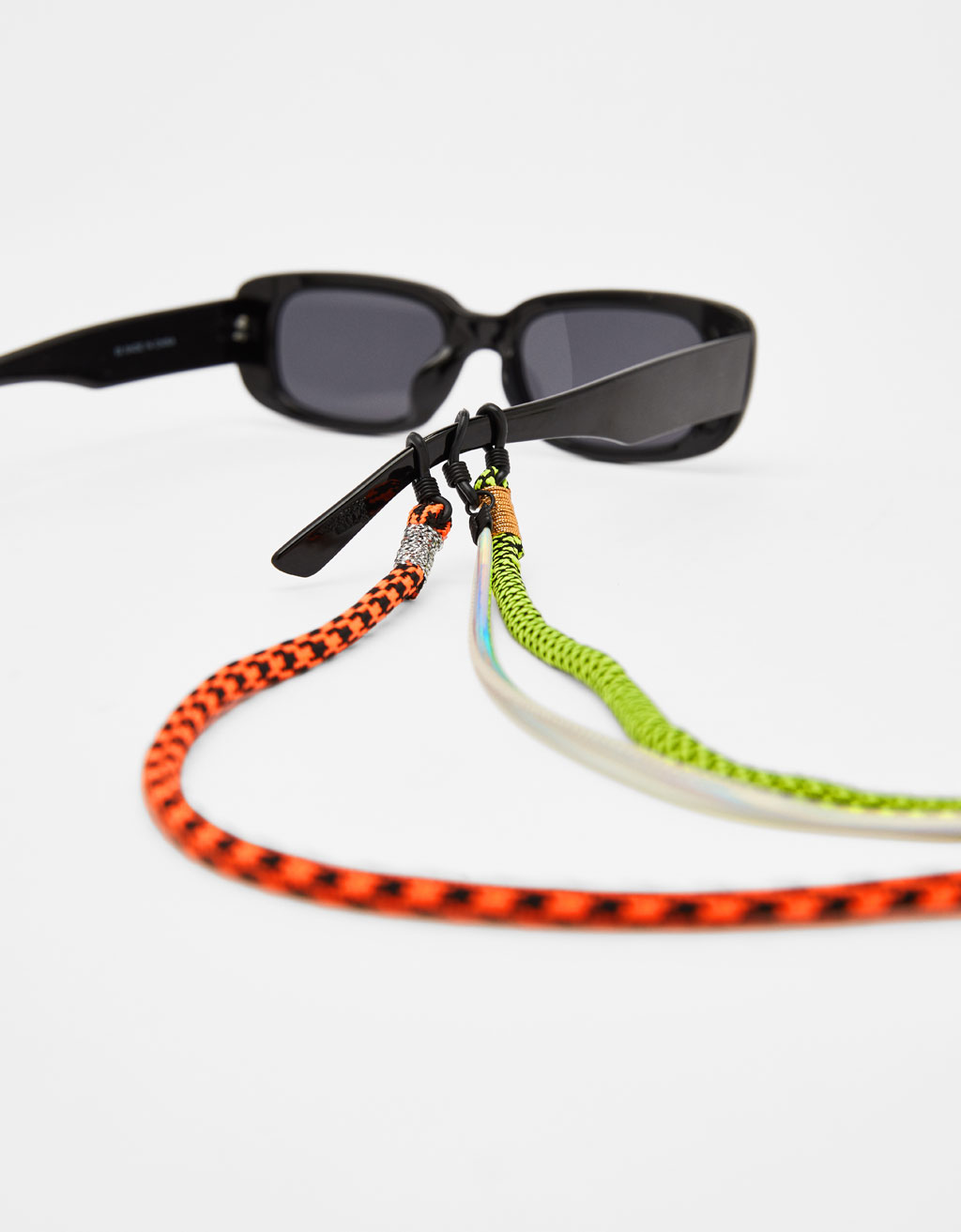 Pack of sunglasses cords