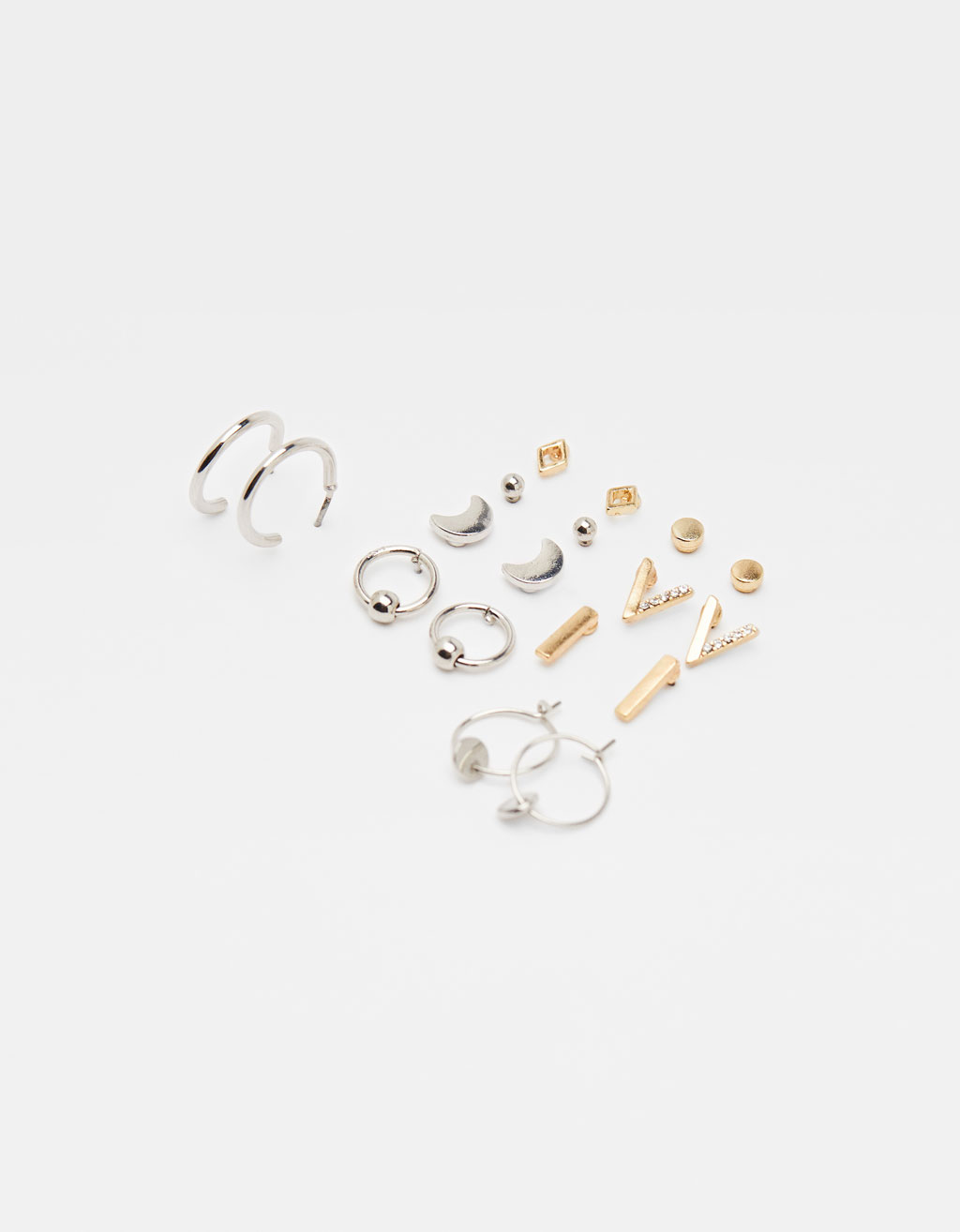 Set of minimalist earrings