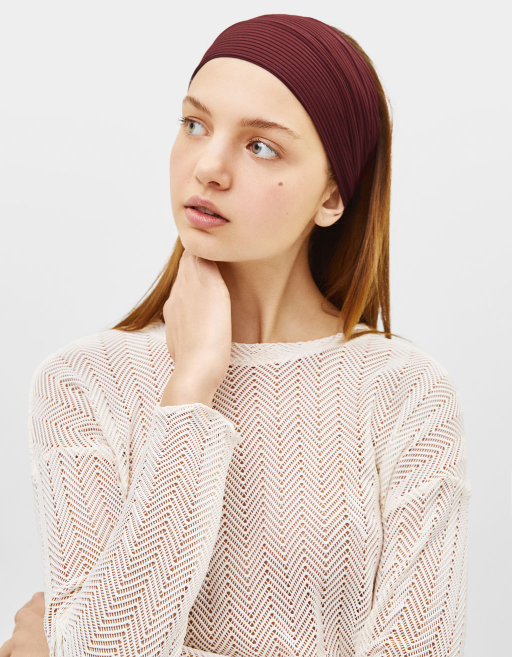 Pleated turban-style headband with knot detail