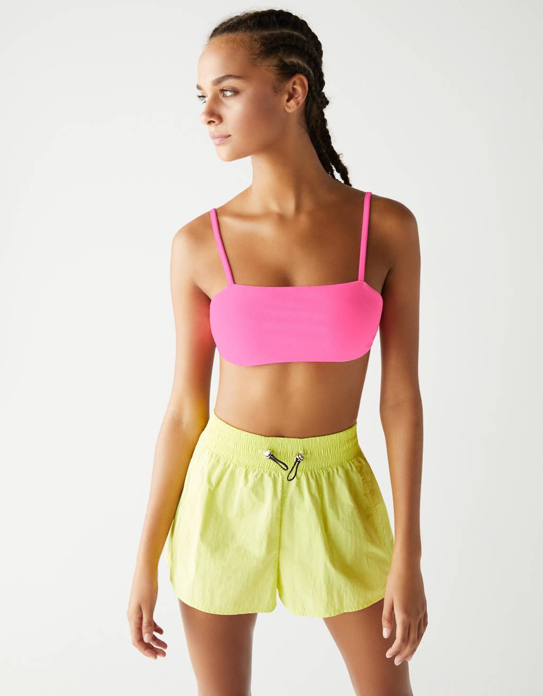 Neonfarbenes Bikinioberteil
