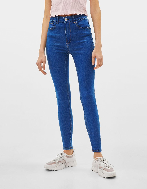 Skinny jeans med høj talje