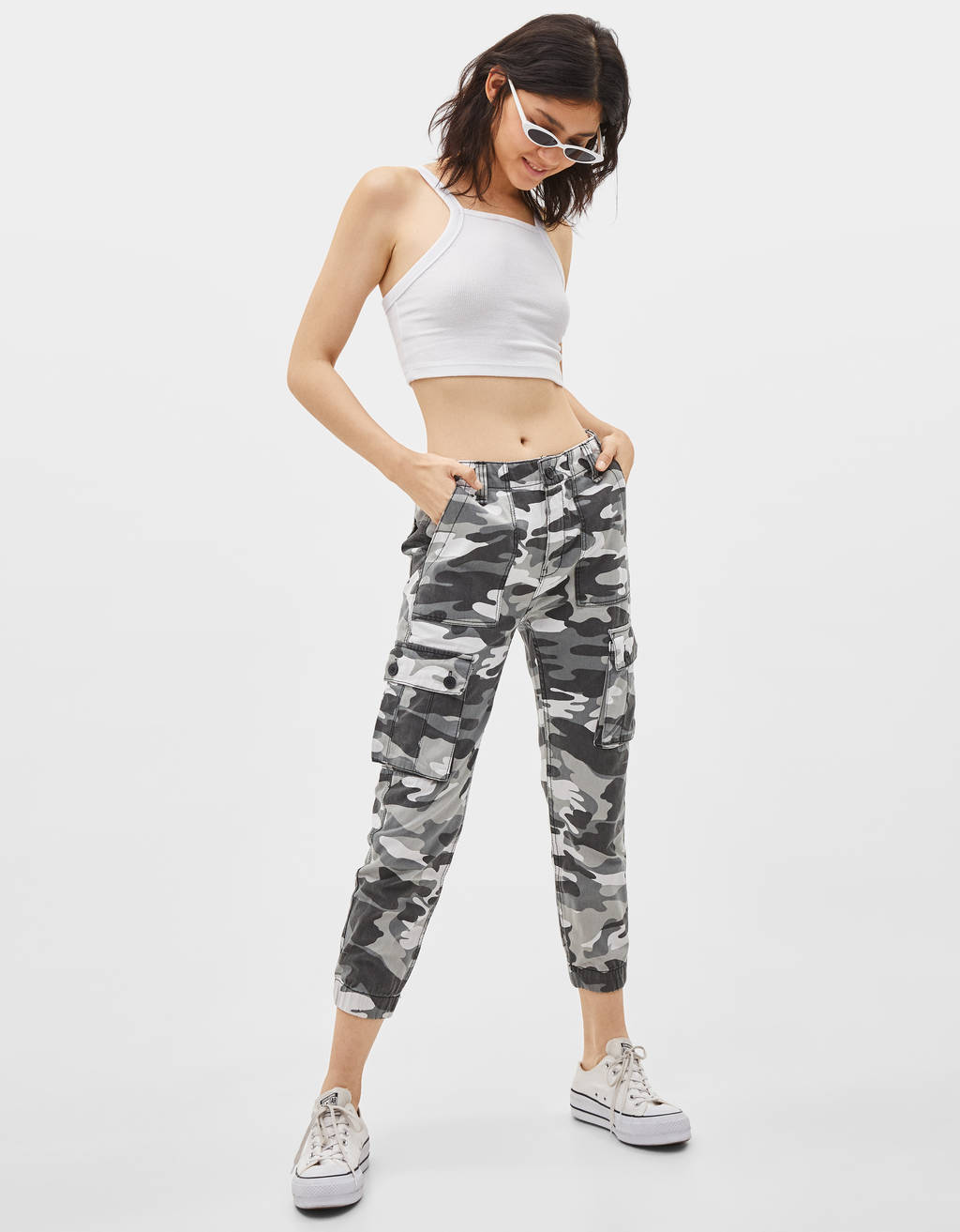 Leger Joggingbroek.Broeken Collectie Dames Bershka Netherlands