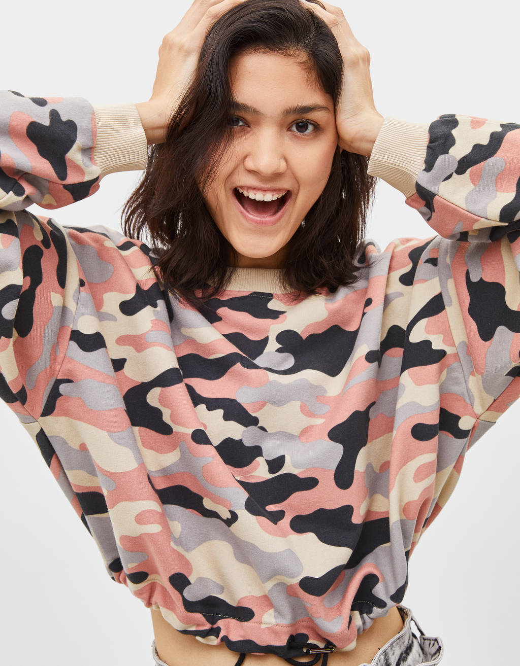 Sweatshirt cropped estampada