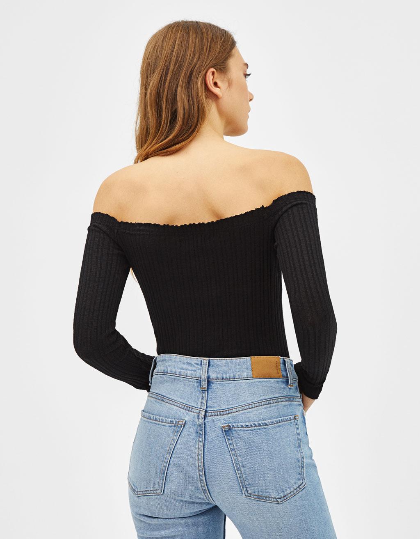 grandes ofertas 2017 como comprar gran variedad de estilos Camiseta con cuello bardot - null - Bershka Estados Unidos ...