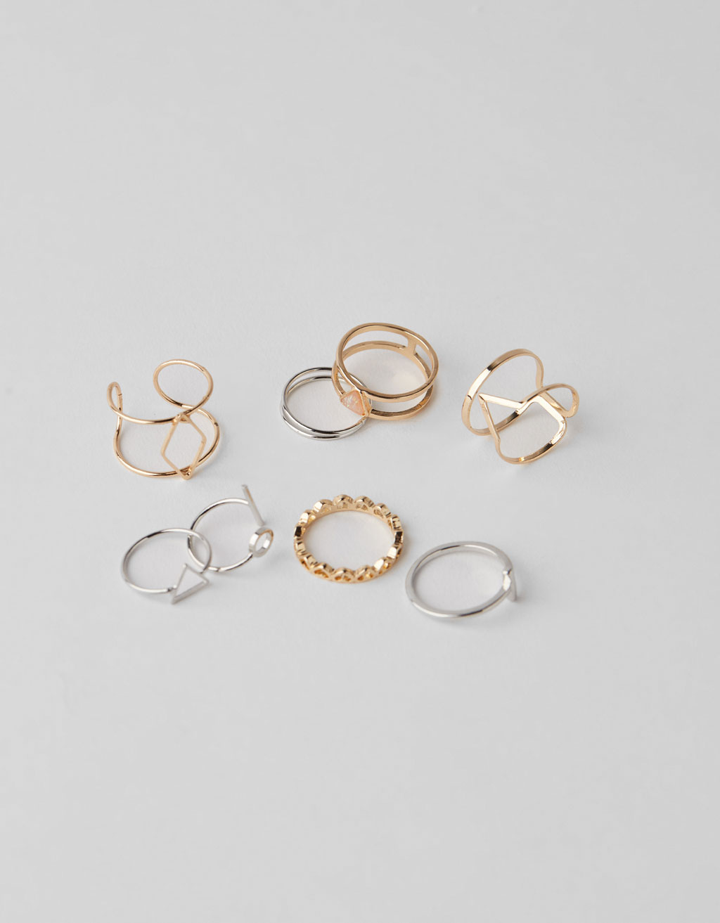 Set of thin rings