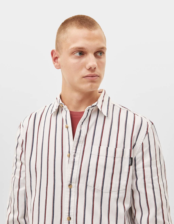 Krekls ar svītru apdruku