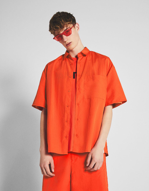 Košeľa Bershka + Pantone