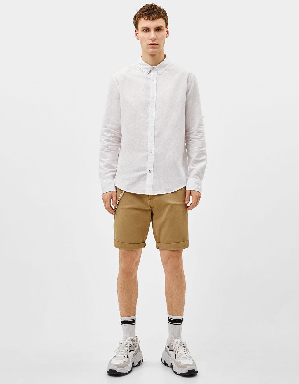 Chemise en lin à manches retournées