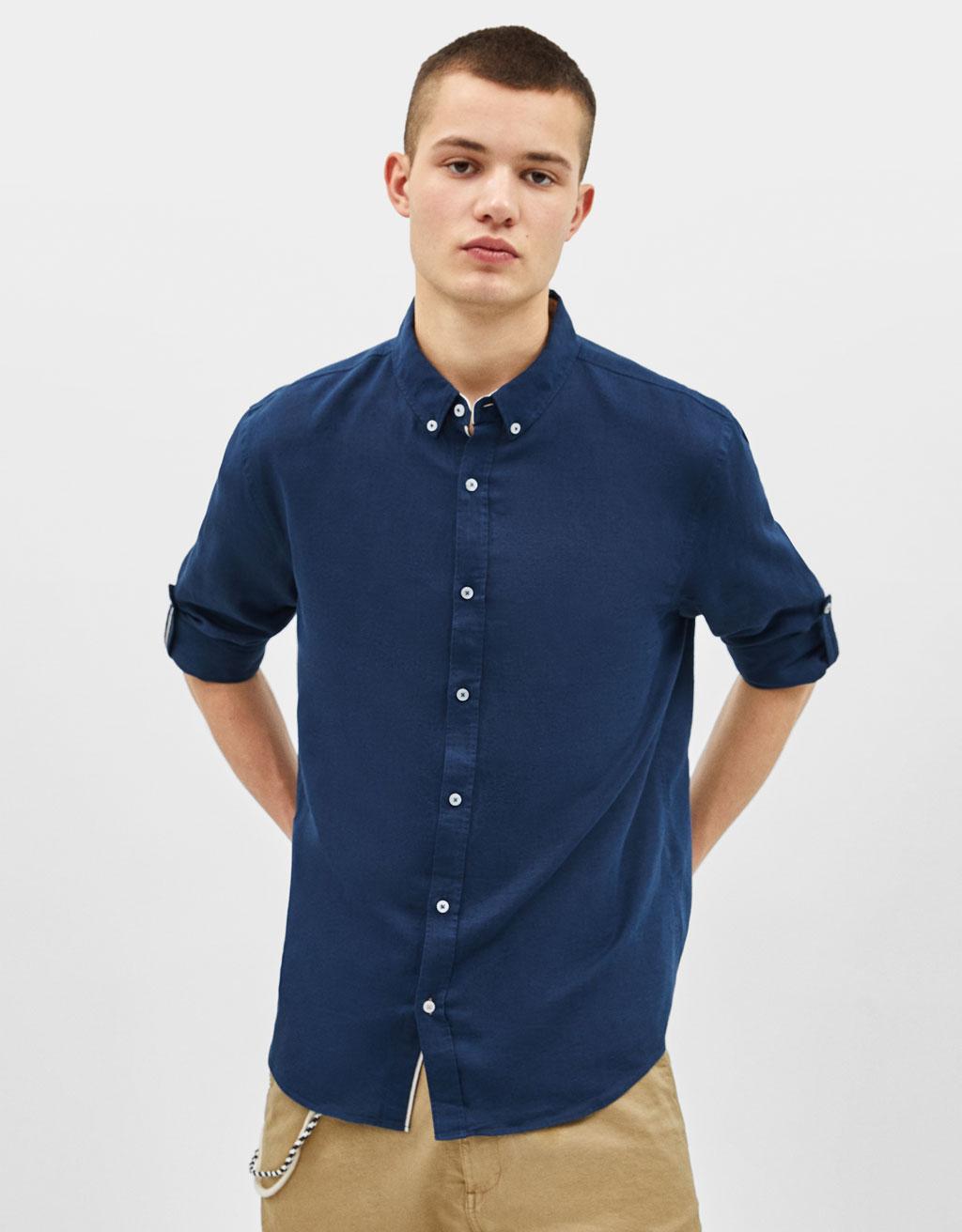 Camicia di lino con maniche con risvolto