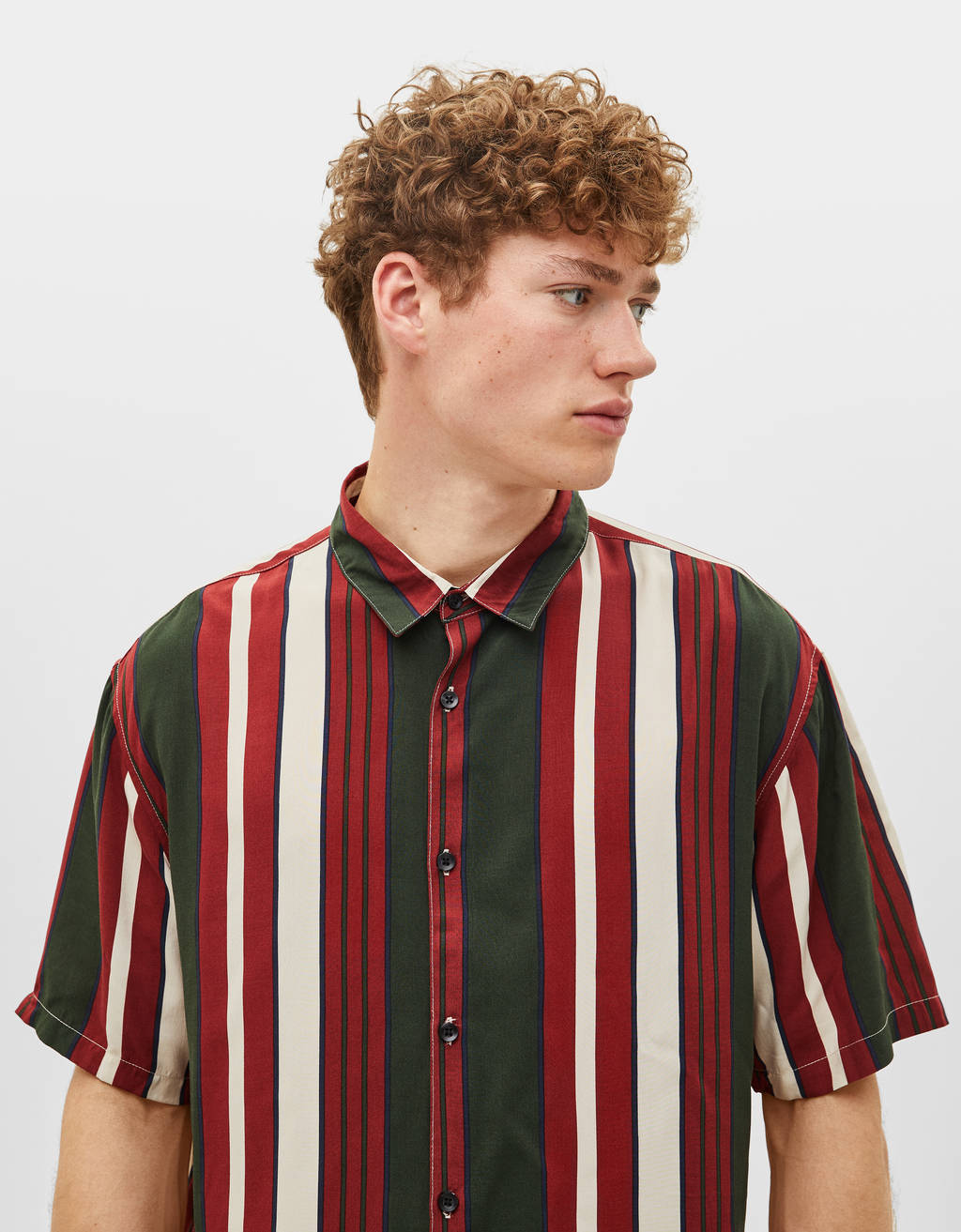 Loose-fitting stripe print shirt