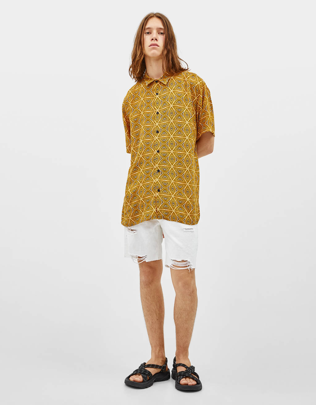 Loose-fitting printed shirt