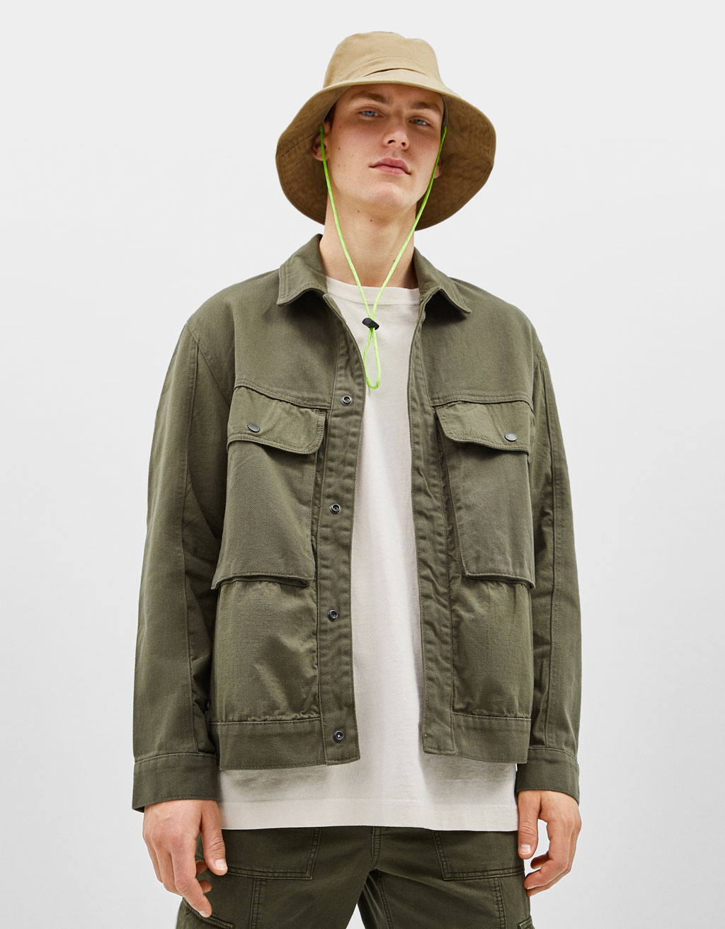 Utility jacket with pockets