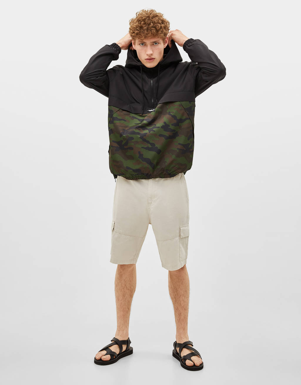 Pouch pocket jacket