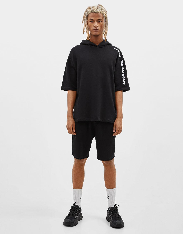 Short-sleeve hoodie