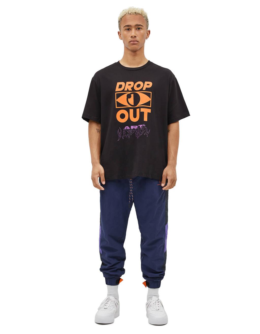 Camiseta con estampado texto neón