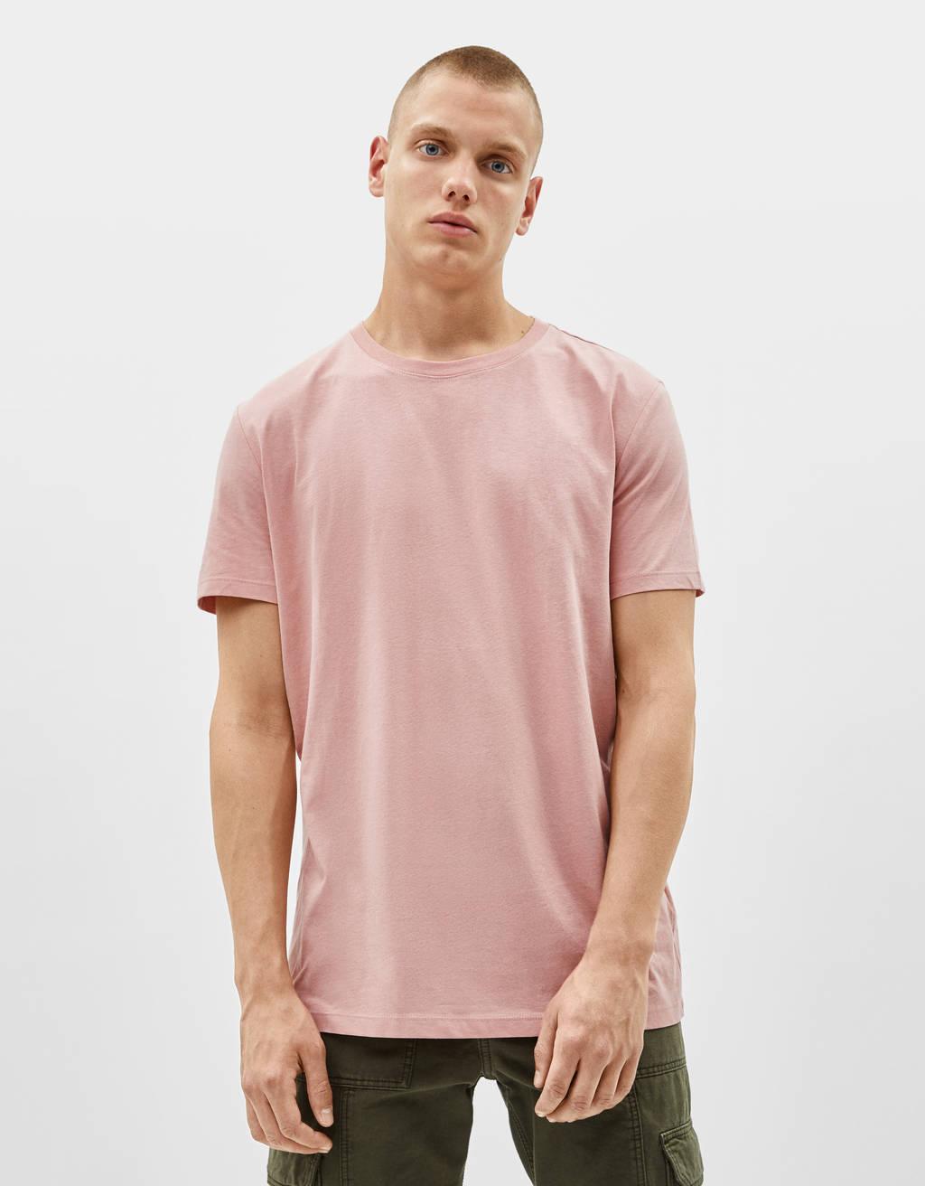Majica z okroglim ovratnikom