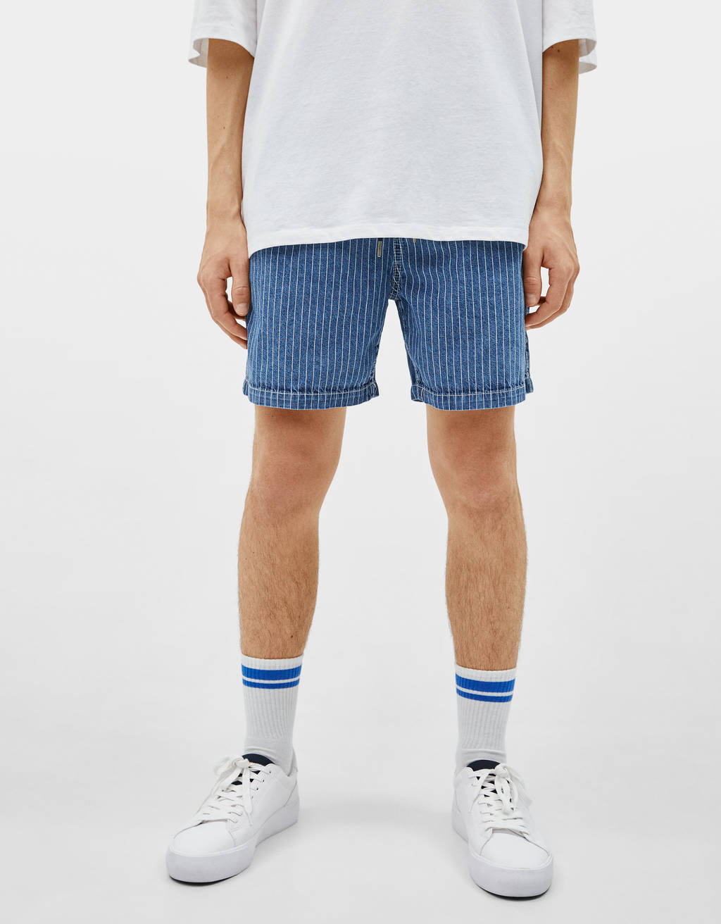 Oversize shorts i stribet denim