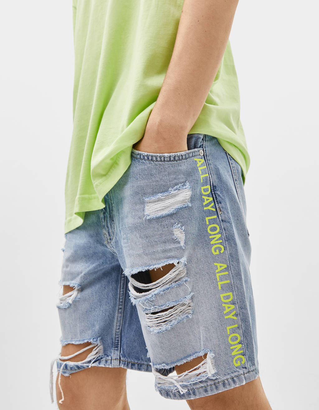 Bermuda shorts with reflective slogan