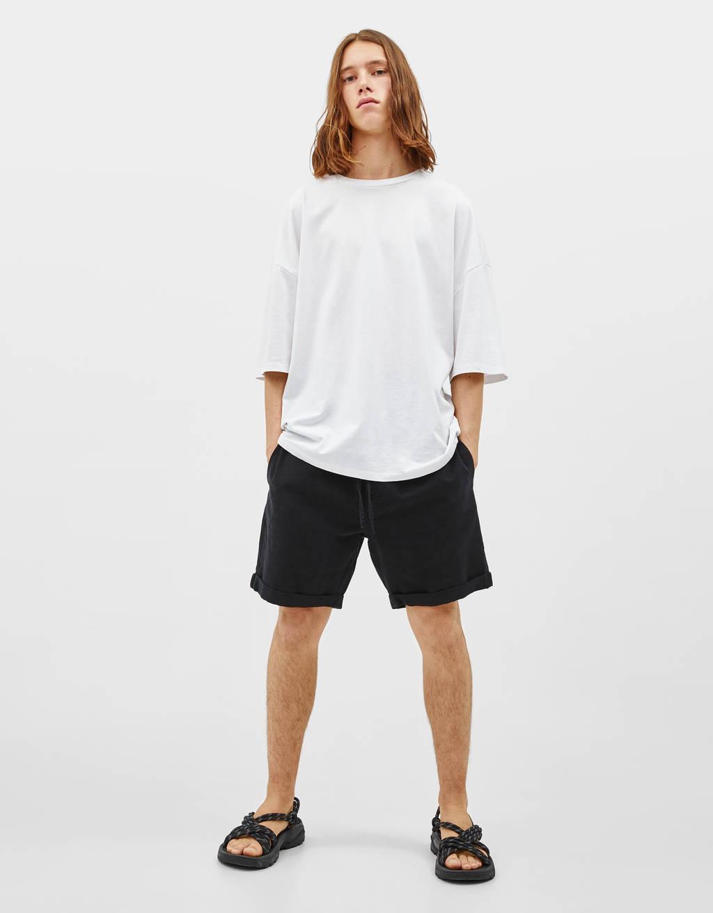 Bermuda hlače v videzu jogger