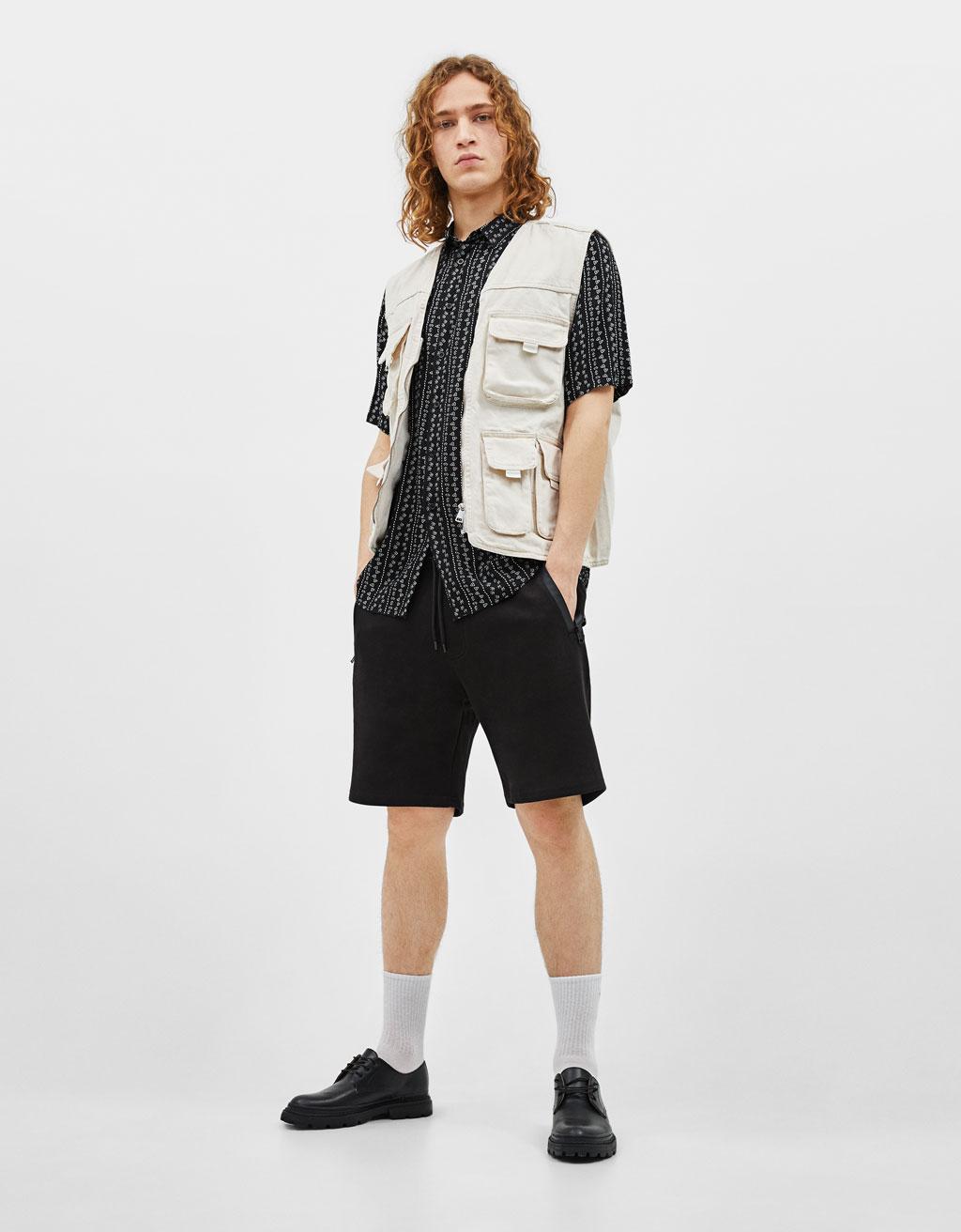 Bermuda shorts with zip pockets