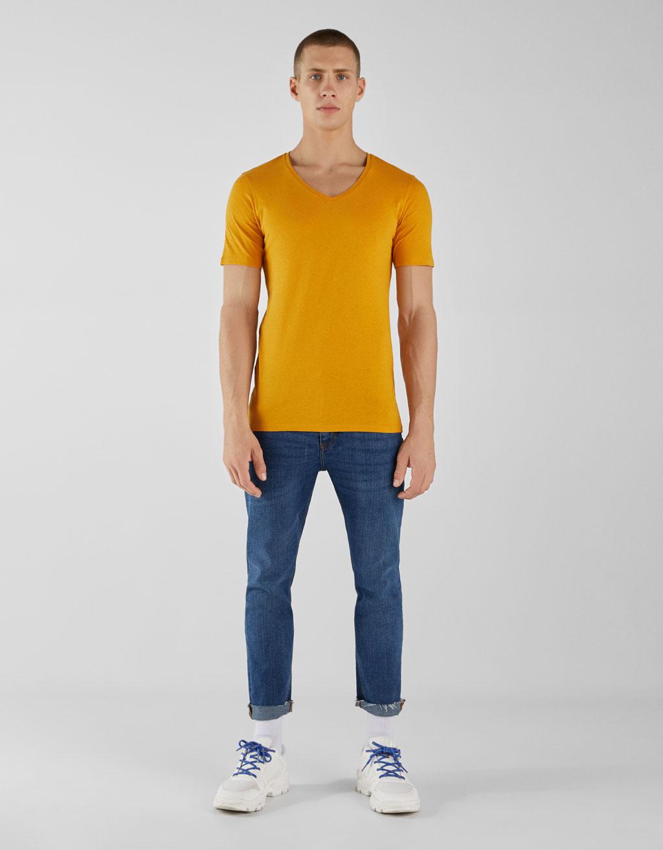 T-shirt met korte mouw en V-hals