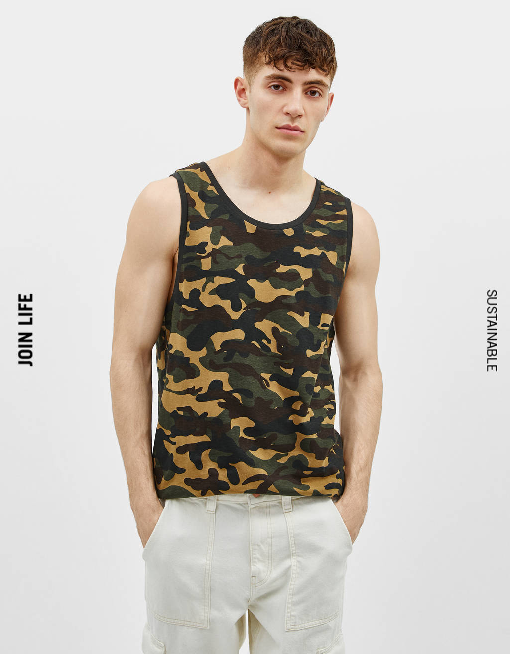 Sleeveless t-shirt with print
