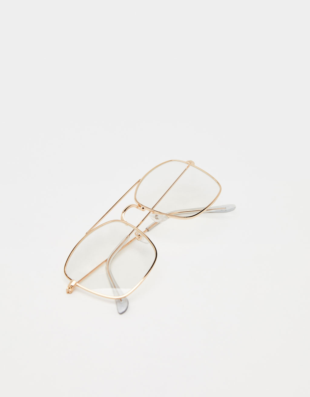 Transparent glasses with metal frame