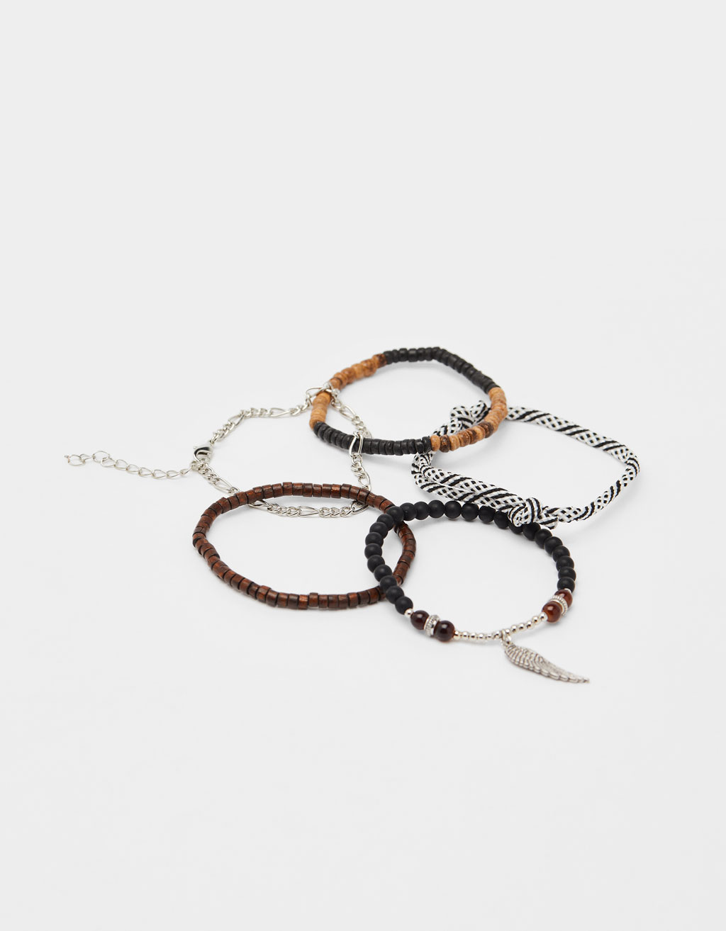 Set of bracelets with feather motifs