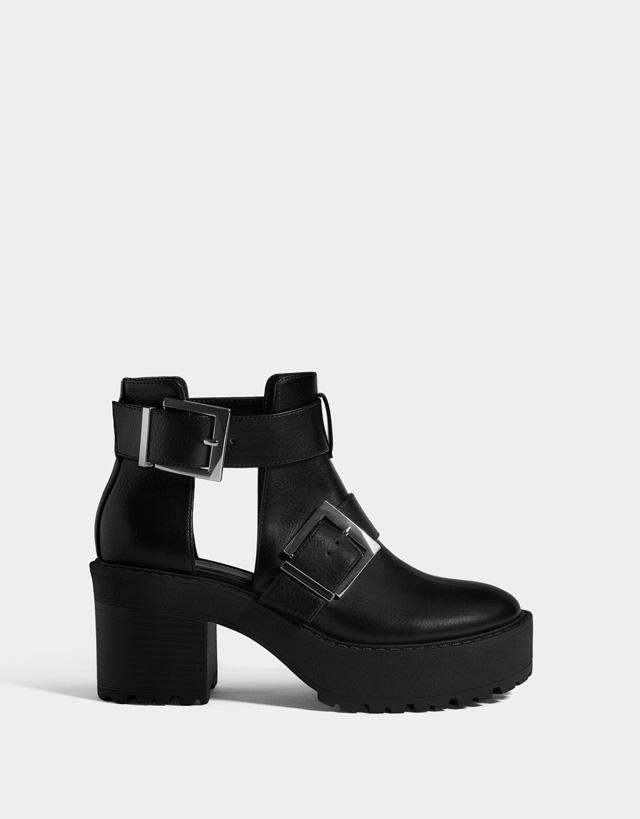 de4a080d5da Μπότες και Μποτάκια - Παπούτσια - ΣΥΛΛΟΓΉ - ΓΥΝΑΙΚΑ - Bershka Greece