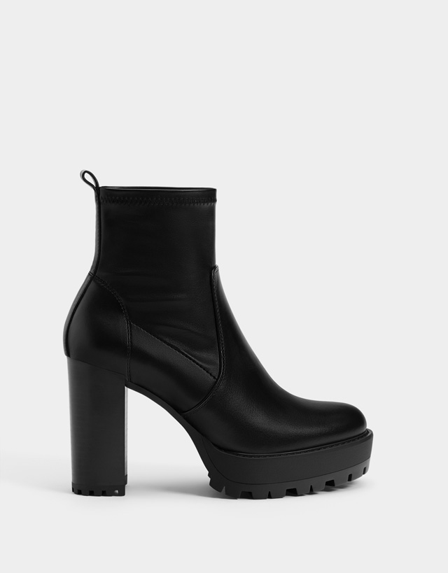 c6a223d22d76fe Bottines - Chaussures - COLLECTION - FEMME - Bershka France