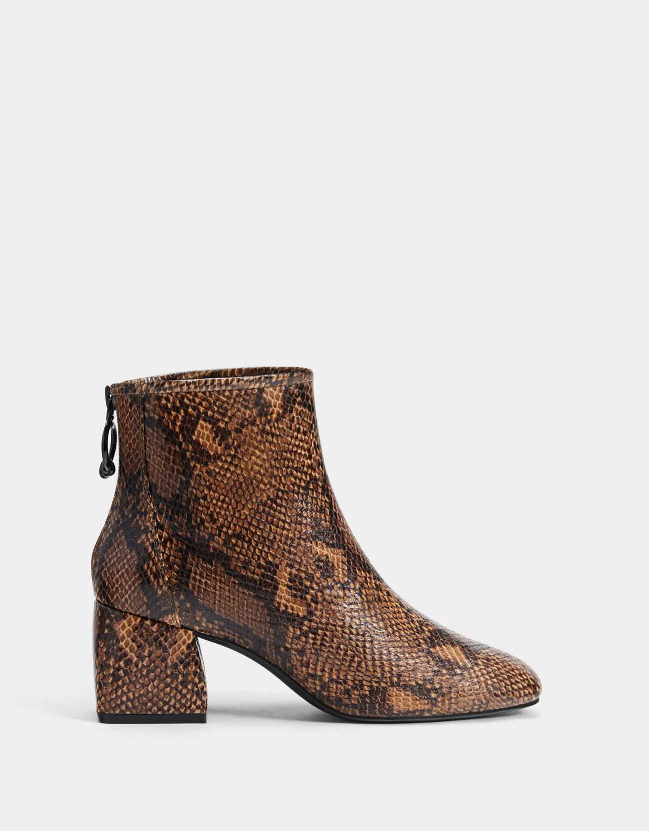 5bcd0ba259fe Animal print mid-heel ankle boots - Boots & Ankle boots - Bershka Lithuania