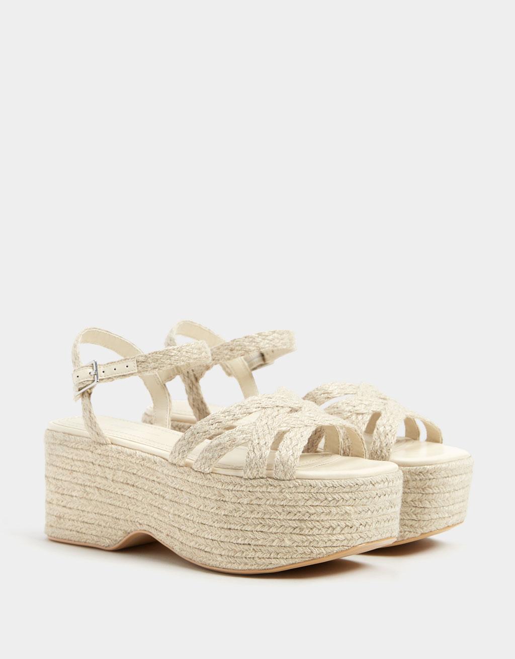 Sandály s jutovou platformou