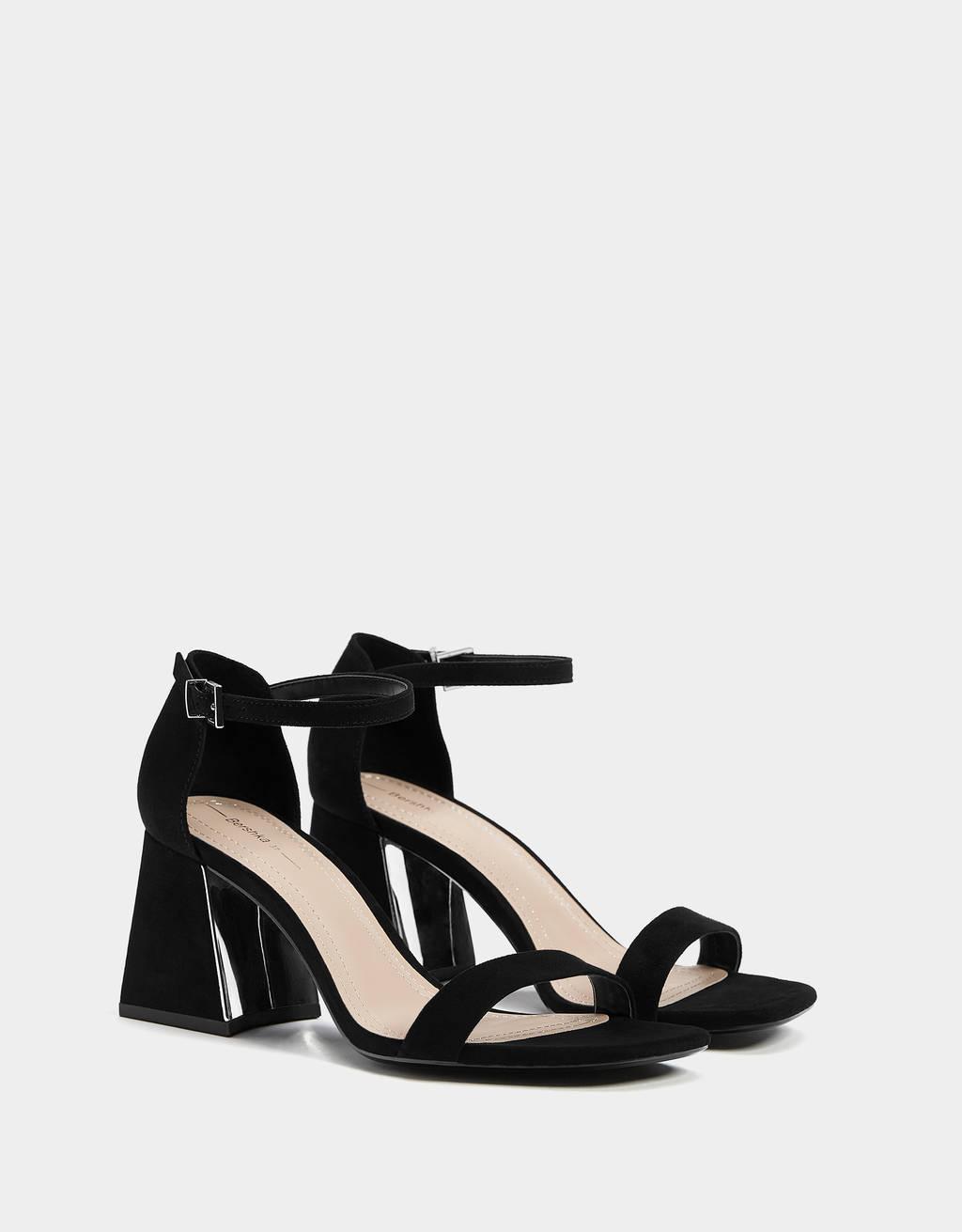 Metalik topuklu sandalet