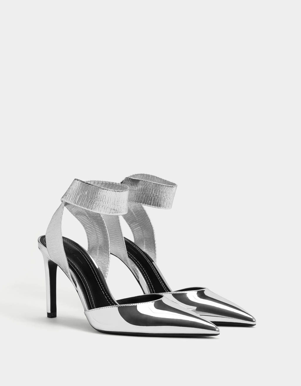 Mules with stiletto heels
